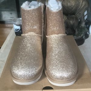 Ugg Women New Gold Boots Size 8